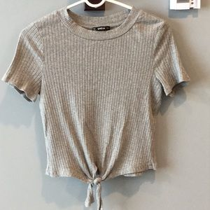 Grey, rubbed tie front t-shirt